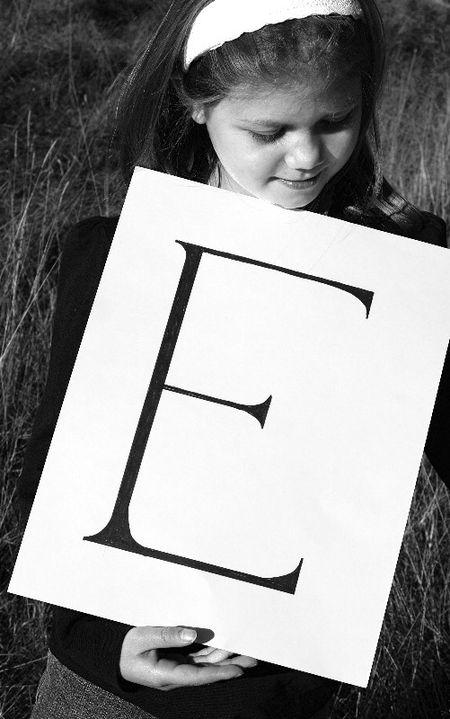 E girl field black white