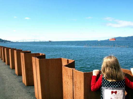 Sea wall astoria girl