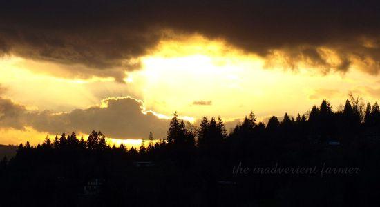 Sundown valley clouds