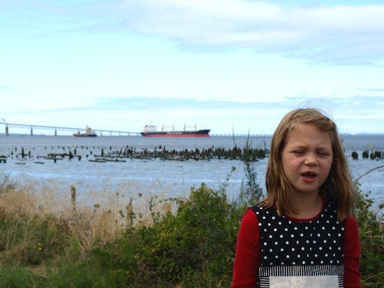 Big ship little girl