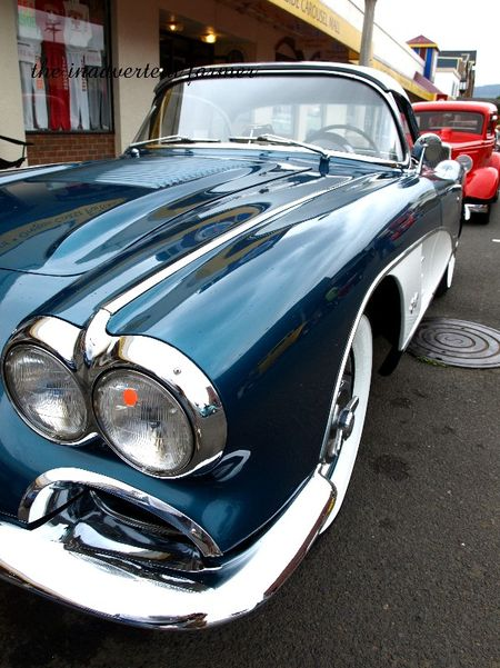Blue corvette 57 chrome