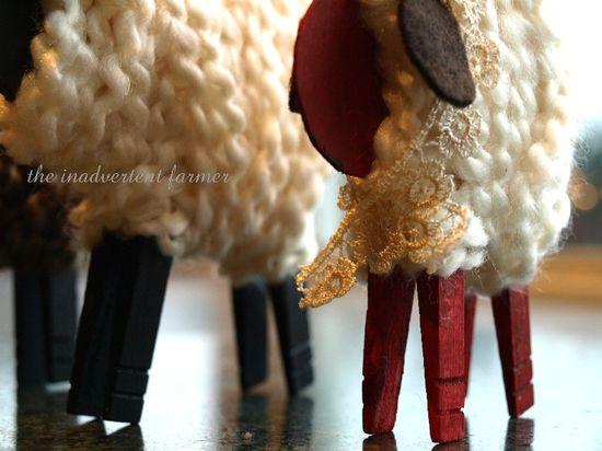 Sheep craft clothes pin yarn