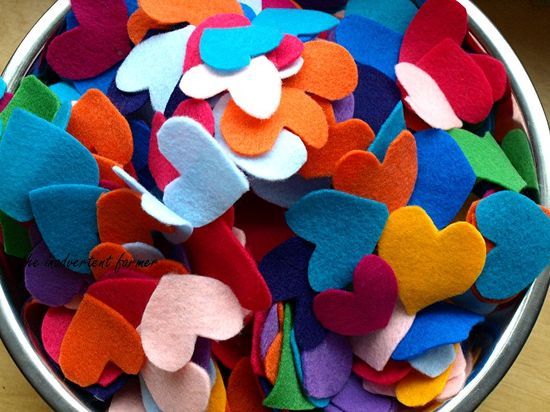 Felt hearts bowl rainbow