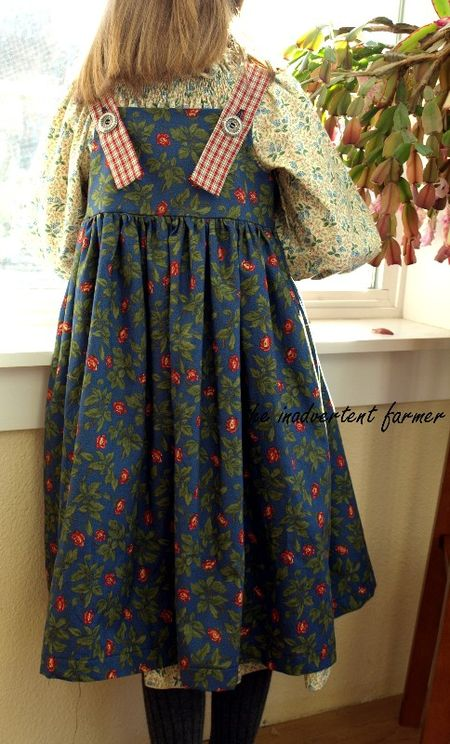 Little prairie dress blue back