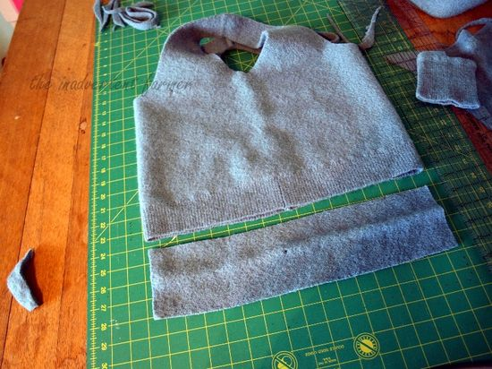 Wool sweater bag bottom cut