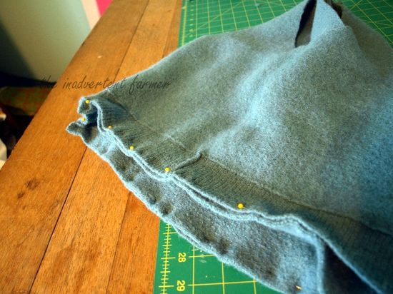 Wool sweater bag pin bottom