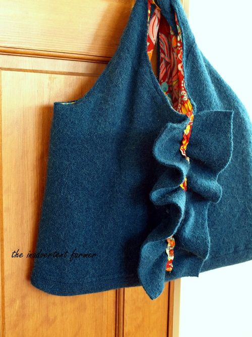 Felted wool sweater laptop bag 01