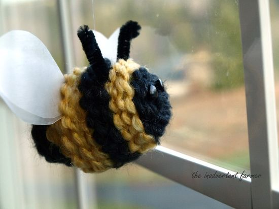 Spring bee yarn craft1