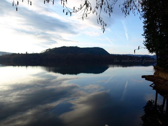 Sky reflected on lake1