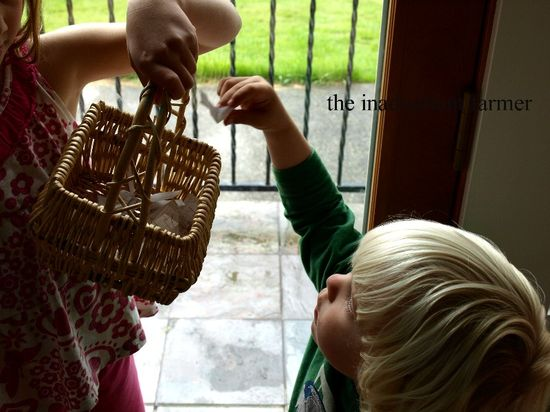 Book drawing basket grab