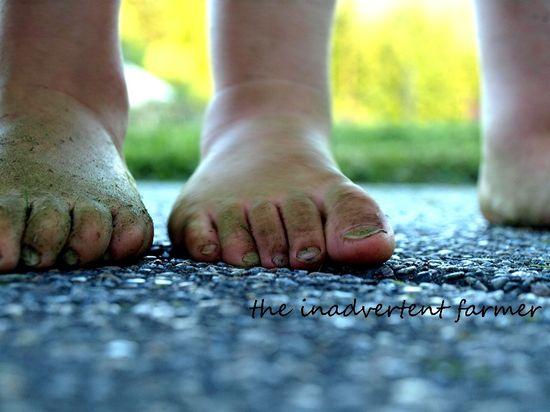 Feet bare grassy girl boy summer