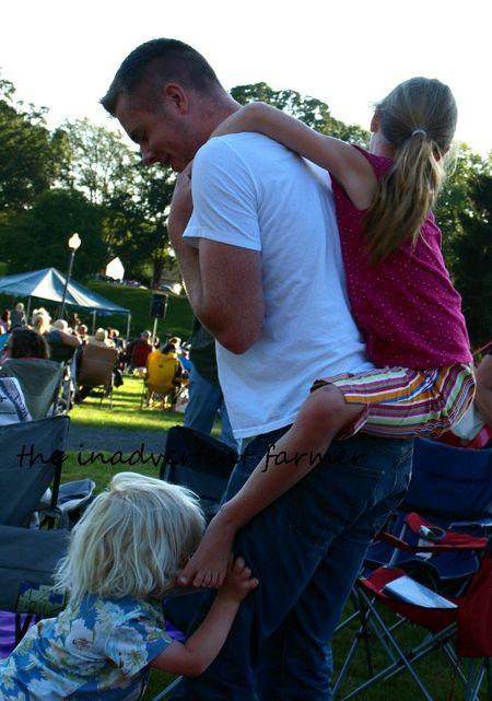 Concert lake wrestle
