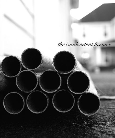 Pipe black white