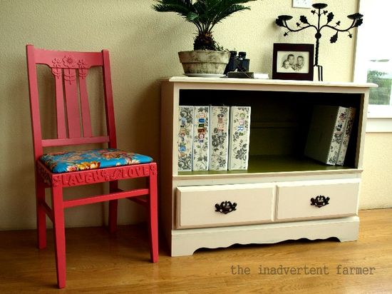 Credenza chair paint old