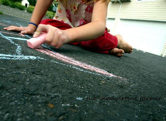 Sidewalk chalk draw