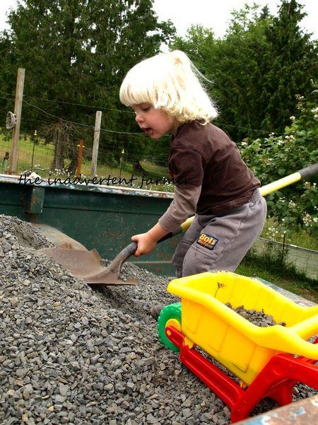 Hauling gravel shovel truck