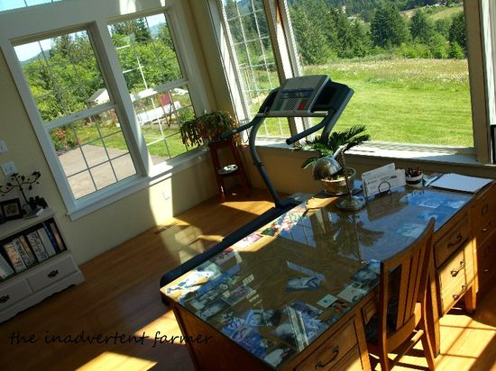 Desk top sunroom photos