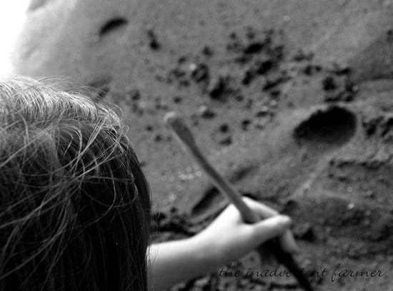 Sand writing hair