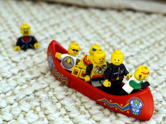 Lego canoe men