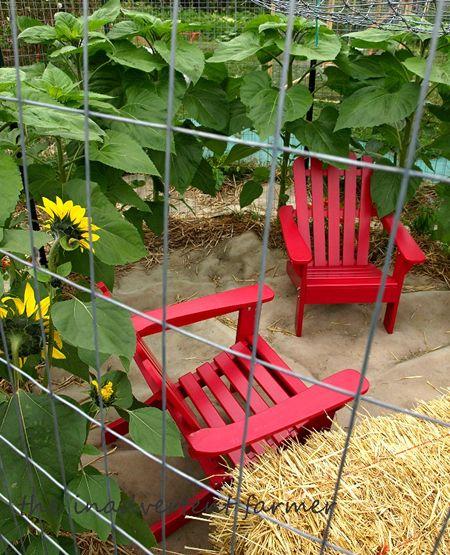 Maze childrens' garden red chairs